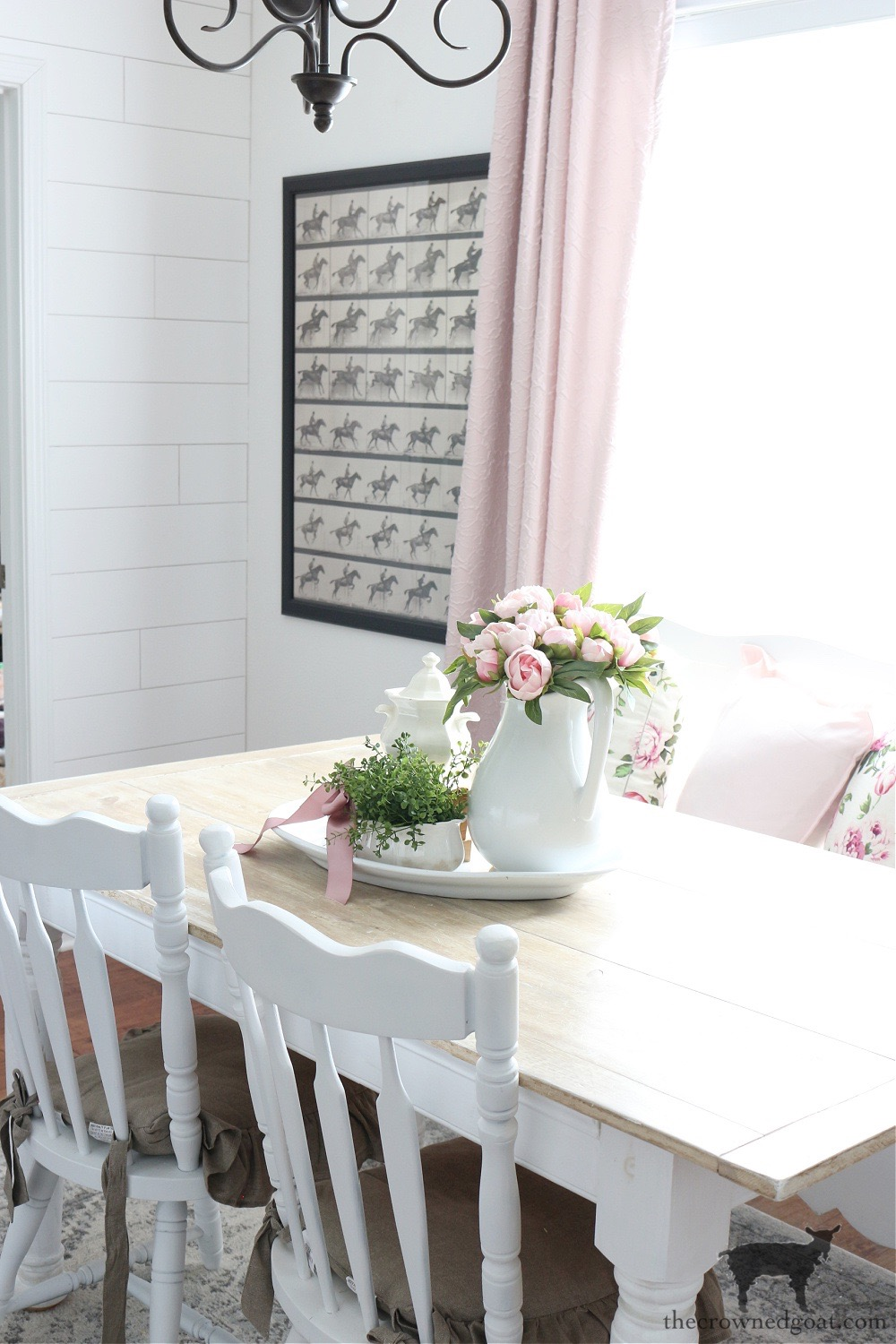 Decorating with Pink in the Breakfast Nook-The Crowned Goat