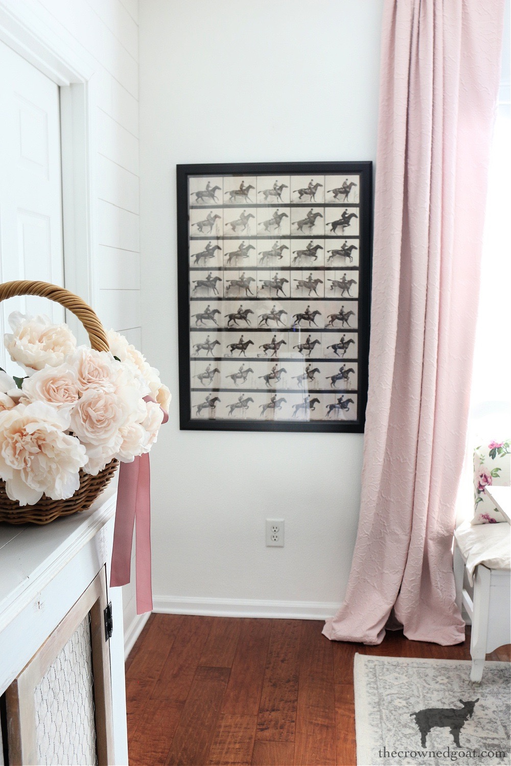 Equestrian Art in the Breakfast Nook with Pops of Pink-The Crowned Goat