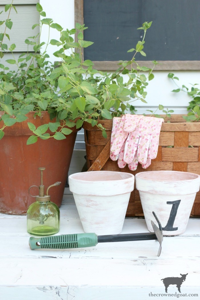 How to White Wash Terracotta Pots with Chalk Paint