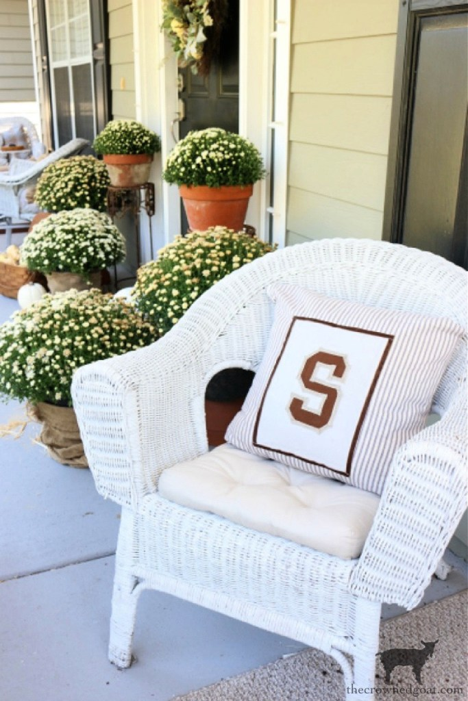 How to Make a DIY No Sew Varsity Inspired Pillow for a Fall Front Porch-The Crowned Goat