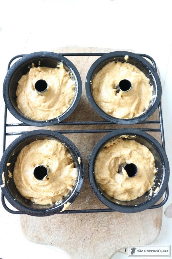salted-caramel-pumpkin-bundt-cakes-5
