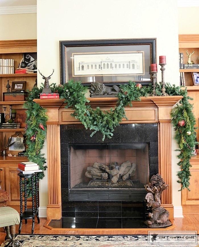 bliss-barracks-traditional-christmas-tree-living-room-6