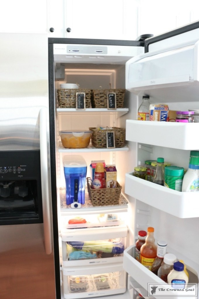organize-your-refrigerator-with-baskets-10