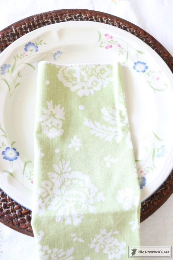 How to Create a Summer Tablescape-The Crowned Goat-6
