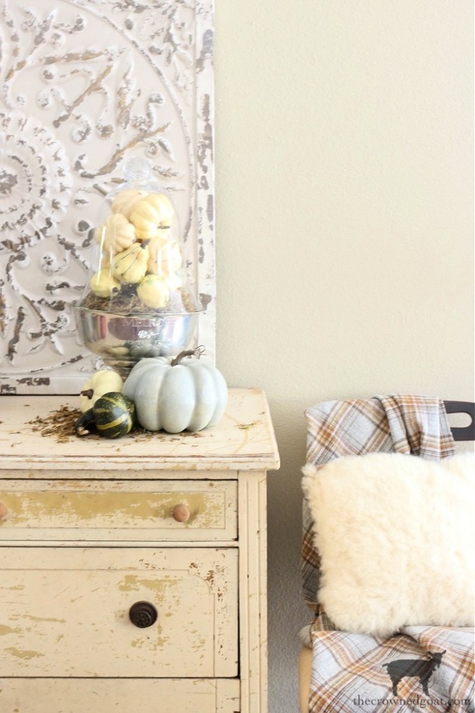 Quick and Easy Five Minute Fall Vignette with Faux Pumpkins and a Vintage Trophy: The Crowned Goat