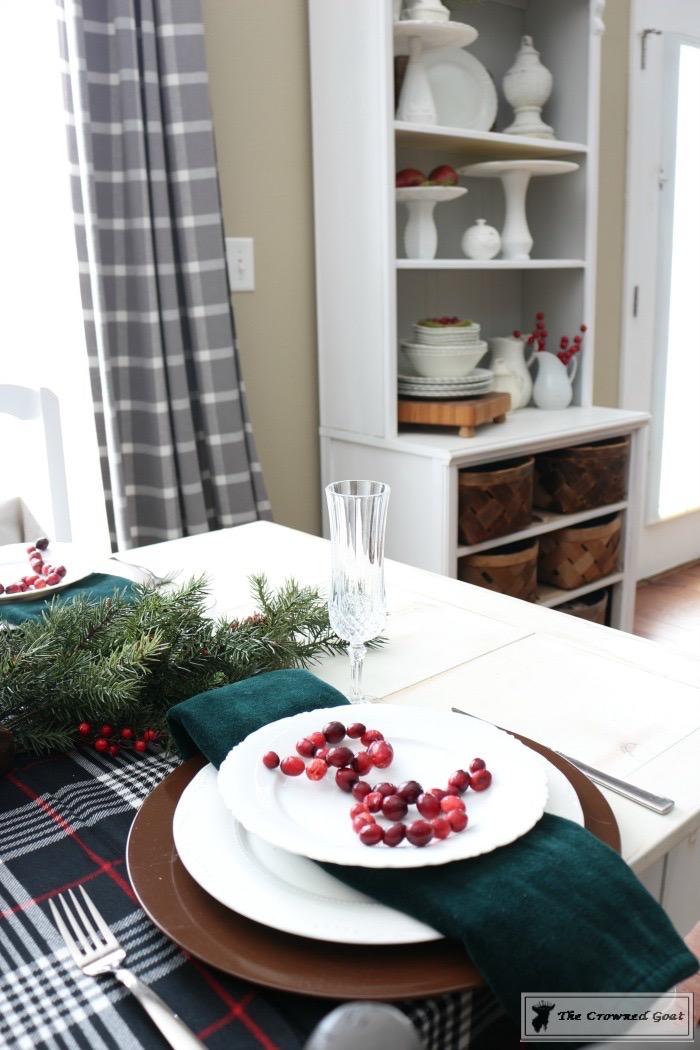 Simple Christmas Breakfast Nook