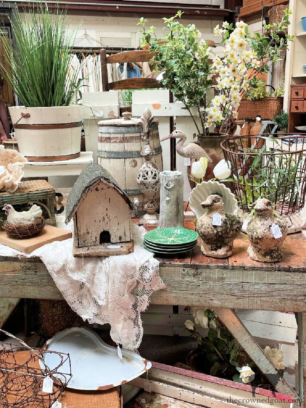 Tips and Tricks for Shopping Summer Yard Sales and Outdoor Events-The Crowned Goat