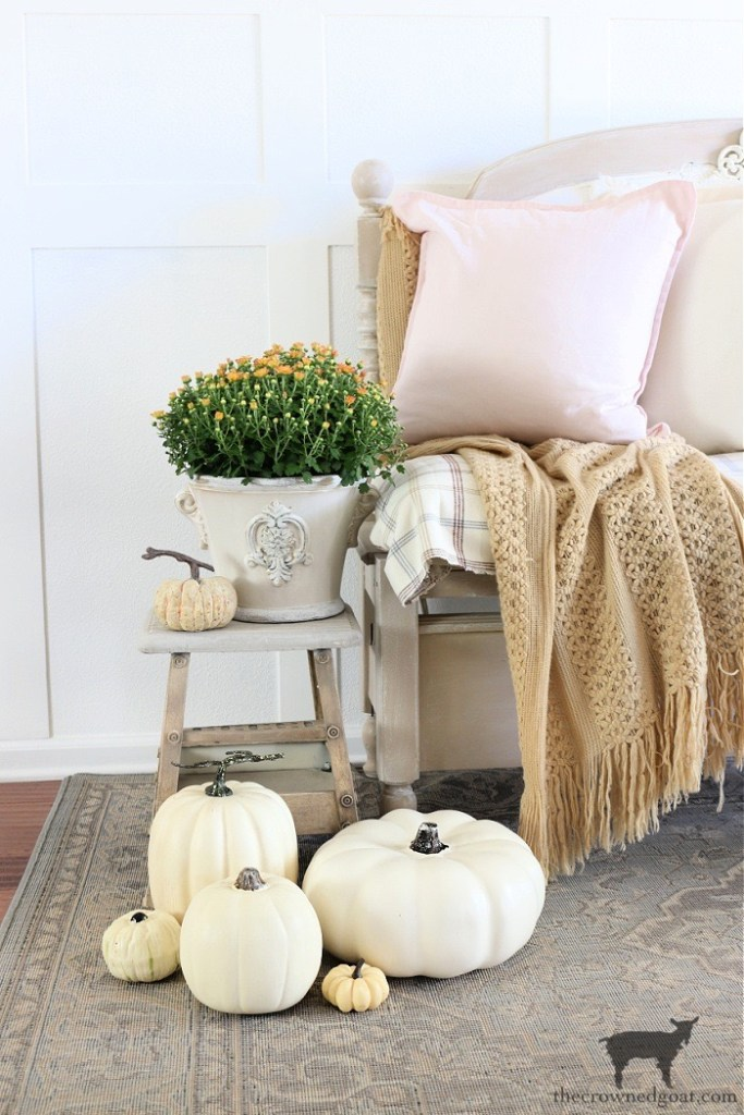 Farmhouse Fall Entry Ideas-Decorating with Mums and Pumpkins-The Crowned Goat