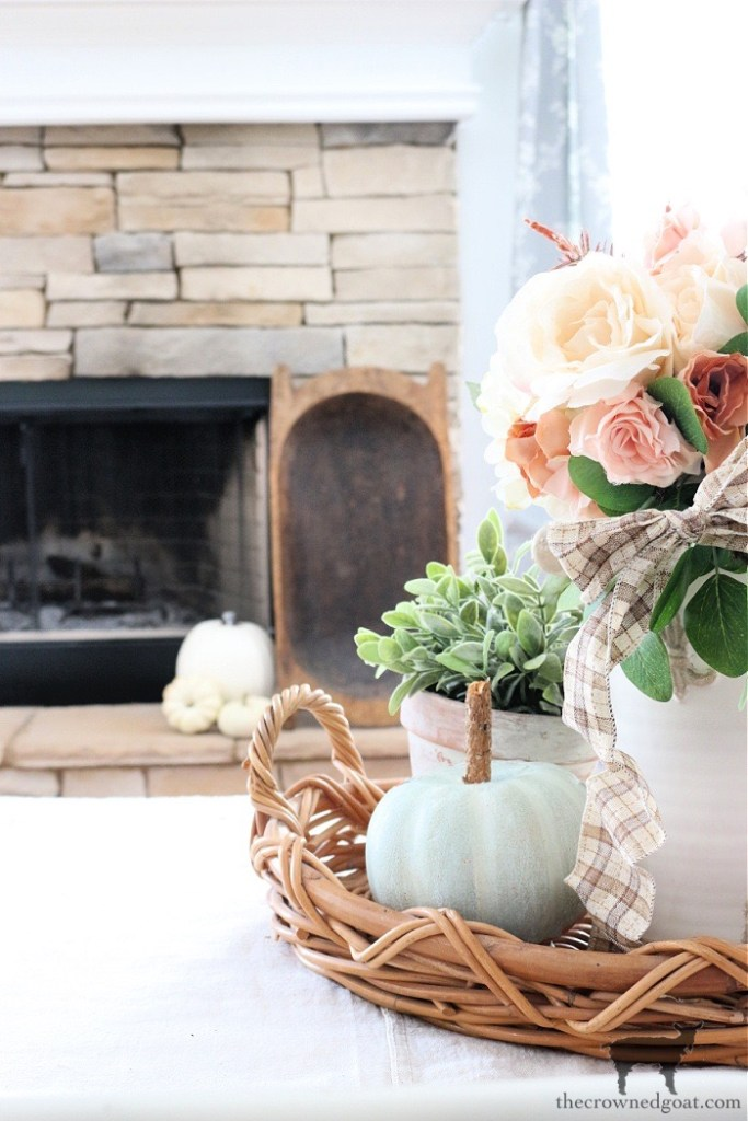 Simple Fall Living Room Vignette-The Crowned Goat