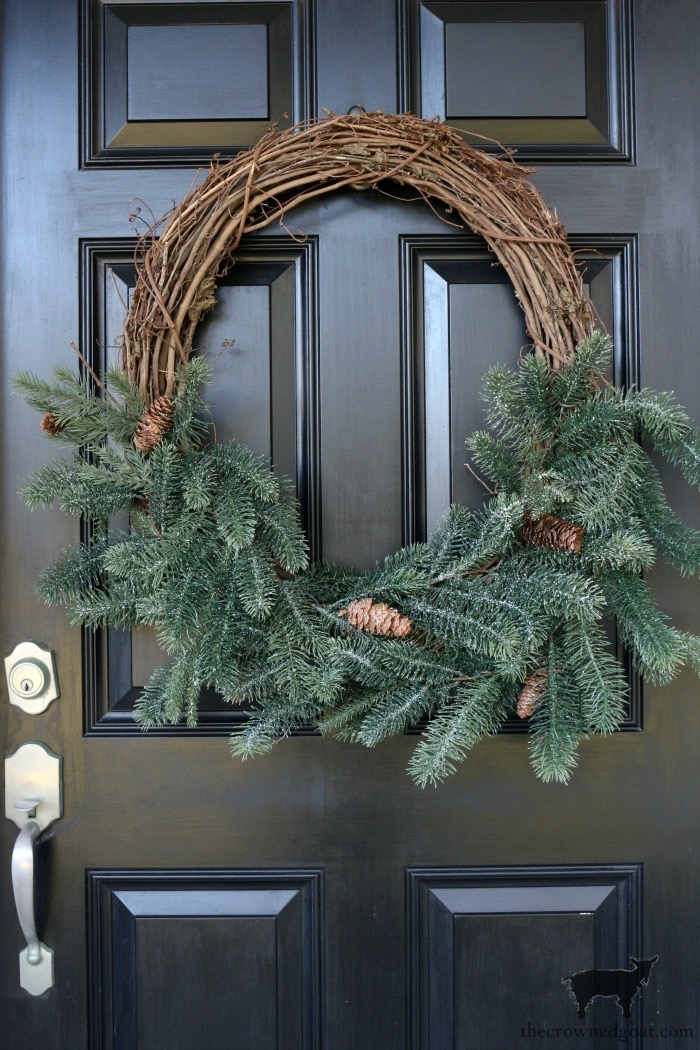 Simple Winter Wreath Ideas - The Crowned Goat
