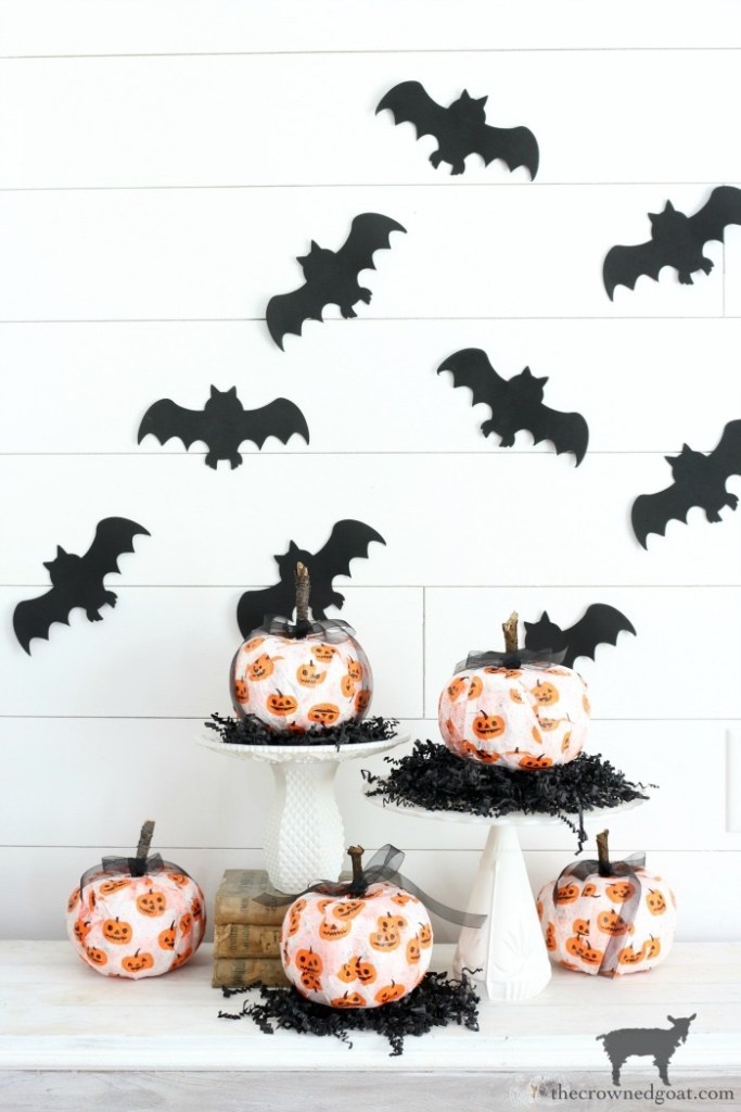 Quick and Easy Halloween Decorations-The Crowned Goat