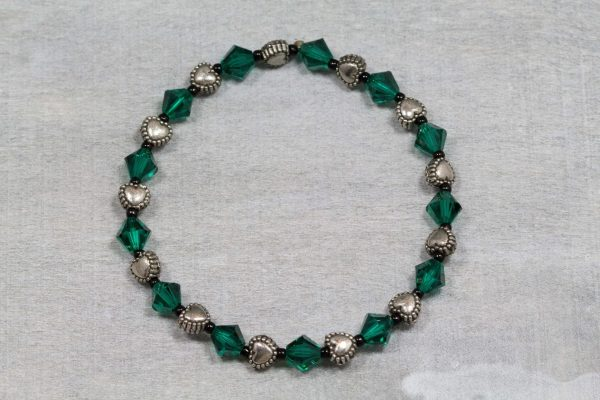emerald-bicone-and-metal-puff-heart-bracelet