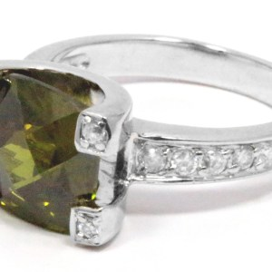 sterling silver olivine green cubic zirconia cushion cut ring