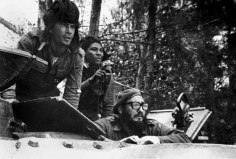 Fidel-Castro-Playa-Giron-Cuba-Bay-of-Pigs-invasion-2-580x393