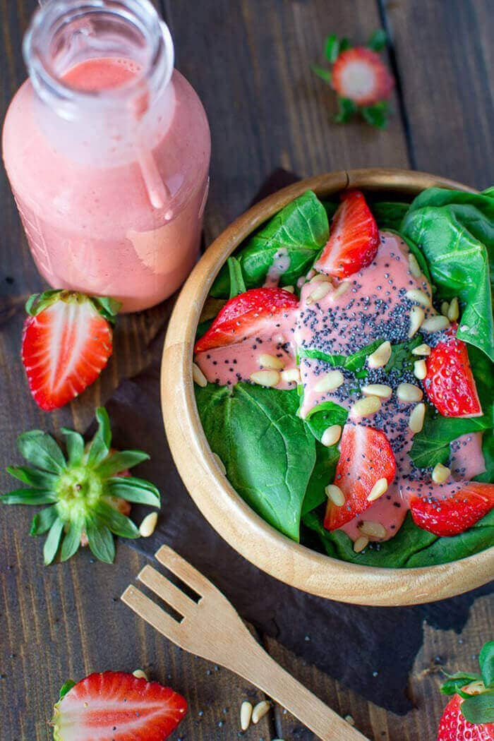 Simple Spinach And Strawberry Salad-easter side dishes recipes-easter side dishes vegetables-easter side dishes make ahead-easter side dishes recipes veggies-easter side dishes recipes simple