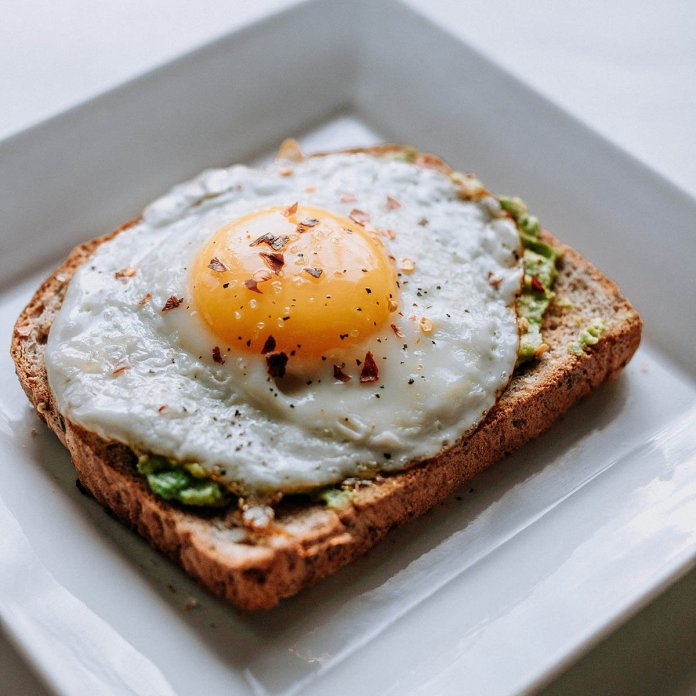 egg on toast breakfast