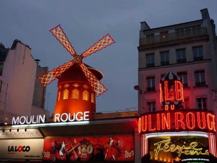 Moulin Rouge, Paris   TheCulinaryTravelGuide.com