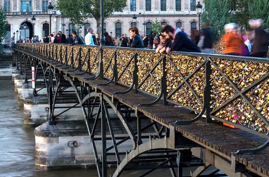 Locks on the Seine: Love or Litter?