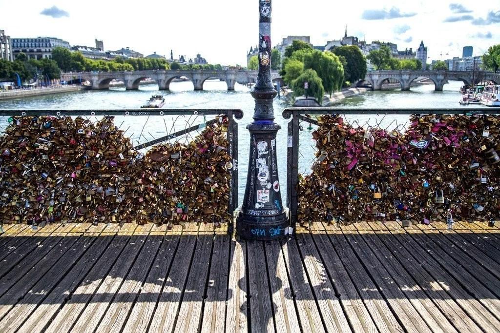 Pont des Arts, Paris, photo by Michael Saint James