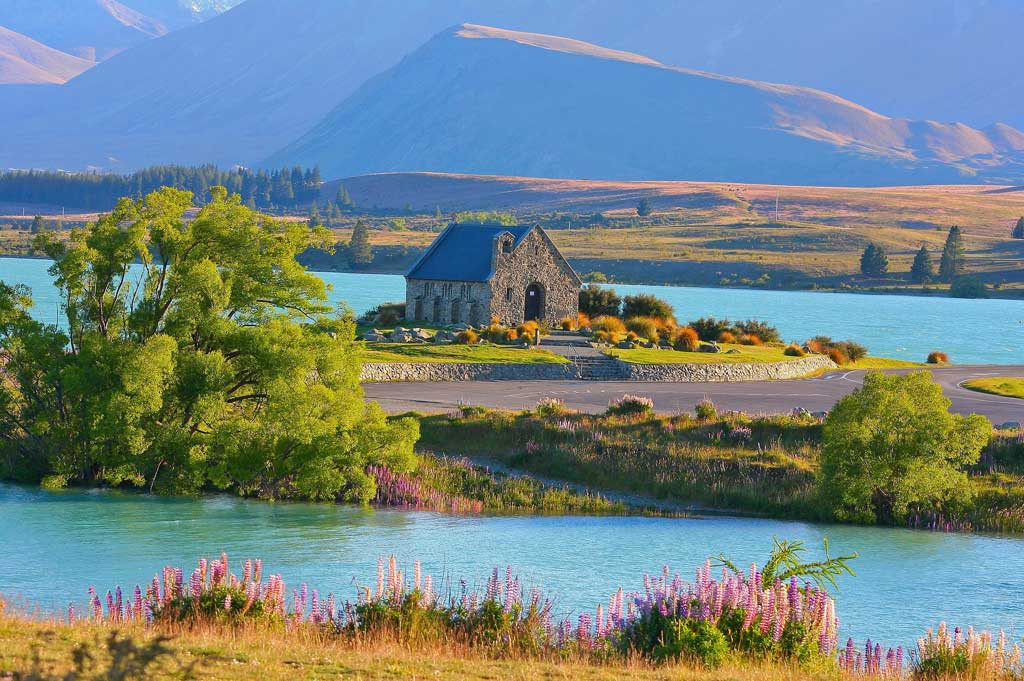 Lake Tekapo, New Zealand | TheCulinaryTravelGuide.com