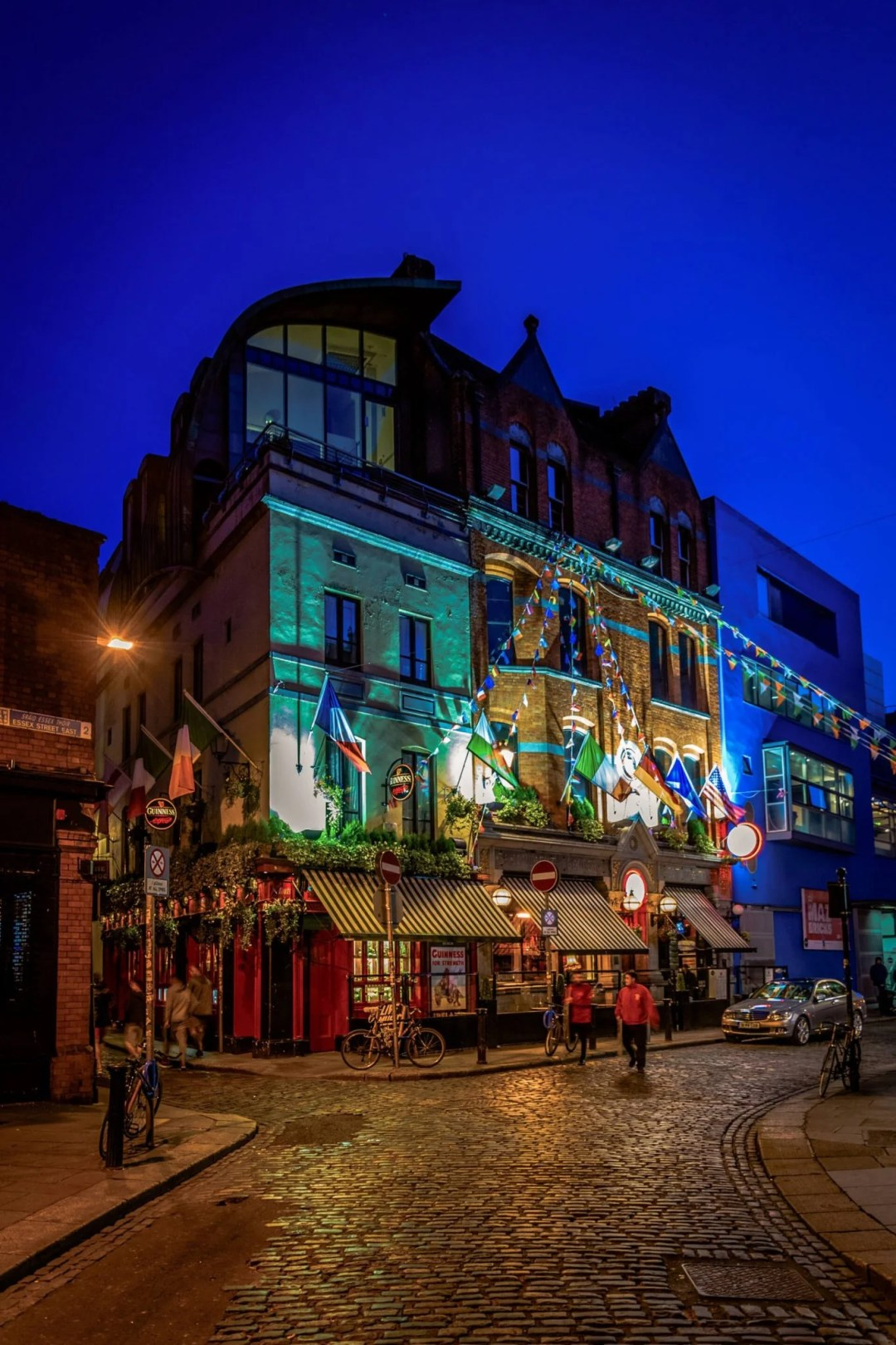 2 Days in Dublin Itinerary: night view of the temple bar district in central Dublin, Ireland