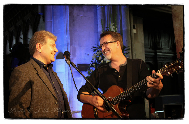 Kevin Belmonte singing with Steve Bell at Oxbridge - image copyright Lancia E. Smith and the C.S. Lewis Foundation, 2011