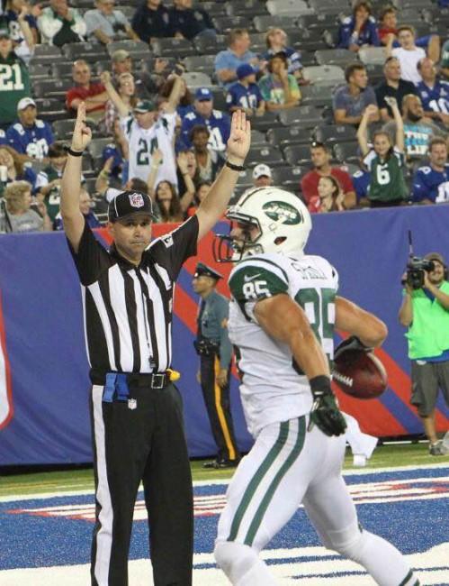 Ryan Spadola scores a touchdown in a preseason game against the New York Giants | © Ryan Spadola