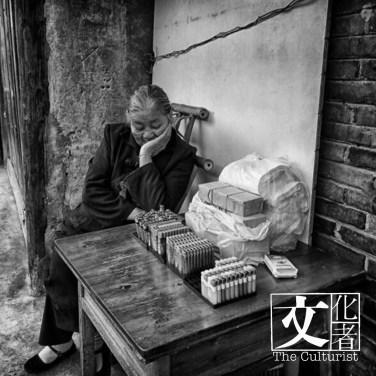 龔鶴在四川持續以攝影記錄城市變化。