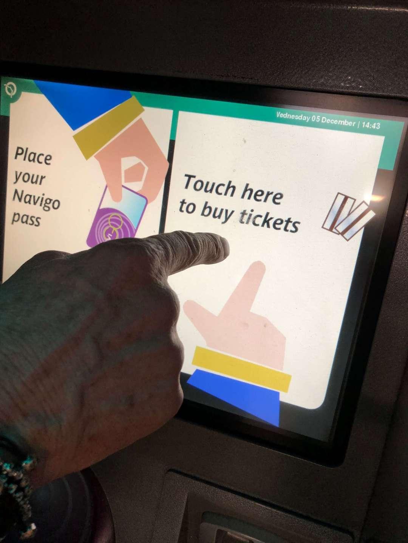 Paris Metro Ticket Machine Buy ticket screen