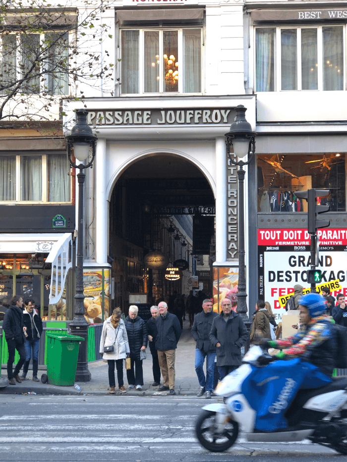 Street View entrance to the Passage Jouffroy in Paris