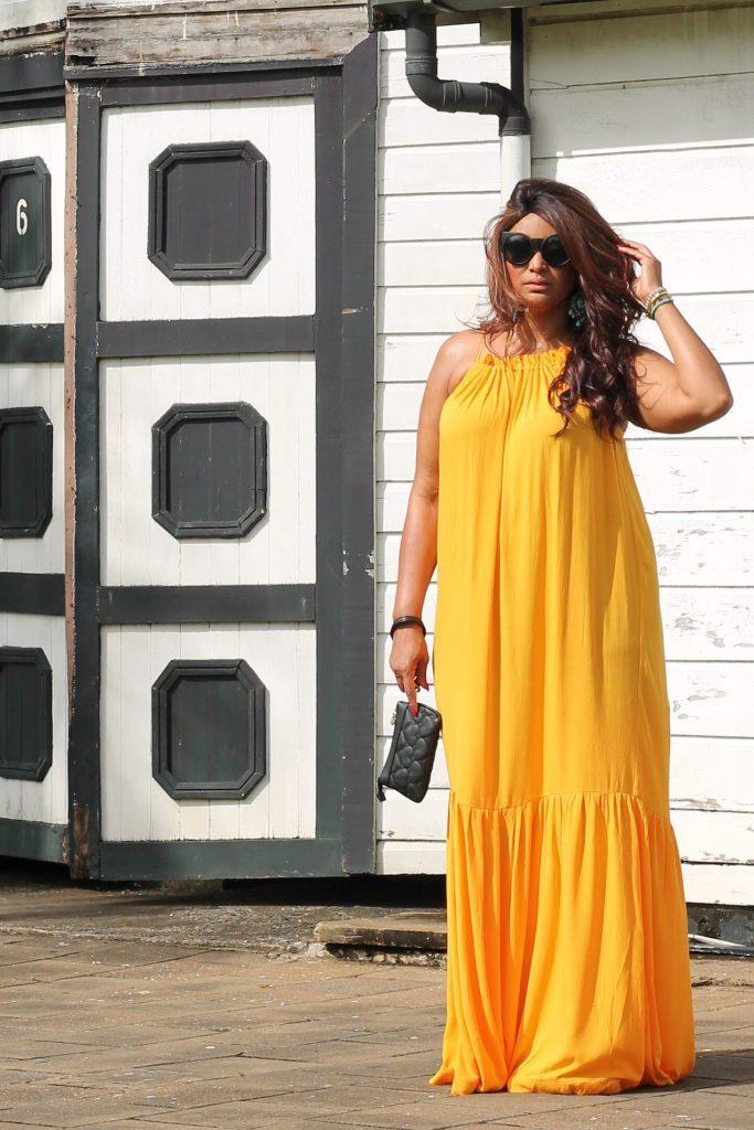 curvy fashion blogger Mango Violeta