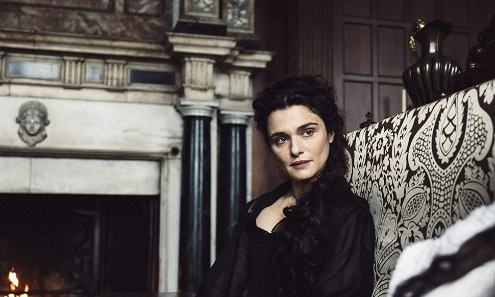 The Favourite is Marvelous Medieval Madness with Coleman, Weisz and Stone