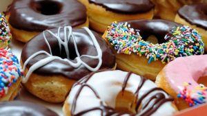 GTY_doughnuts_jef_150602_16x9_992