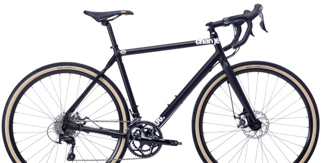 Charge-Plug-4-2016-Hybrid-City-Bikes-Black