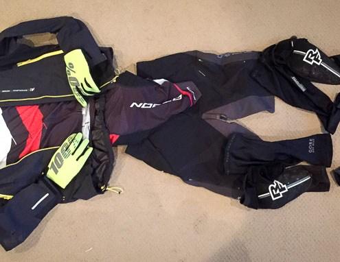 How to Dress For Winter Mountain Biking