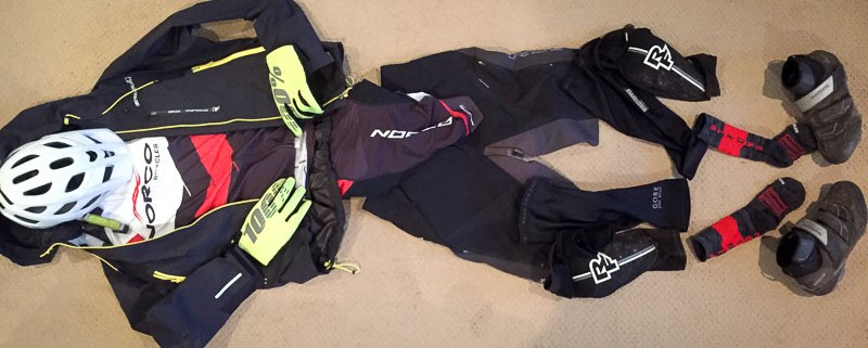 How to Dress For Winter Mountain Biking