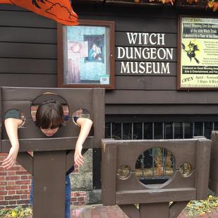 ghost hunting in Salem massachusetts