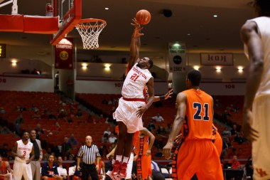 Redshirt junior guard Jherrod Stiggers rounded out the high scores of the Cougars with 11 points in Saturday's win.   Justin Tijerina/The Cougar