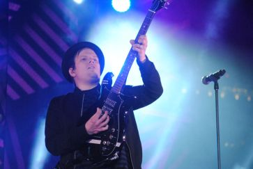 Fall Out Boy frontman Patrick Stump donned his now-signature newsboy hat during his band's electrifying performance at the mtvU Woodies. | Cara Smith/The Cougar