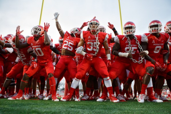 The Cougars returned to TDECU Stadium on Thursday and were triumphant over the Mustangs in a 49-28 win. | Justin Tijerina/The Cougar