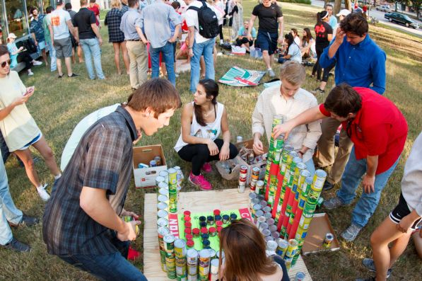 Delta Gamma and Kappa Alpha were busy stacking cans with MVP. | Photo by Justin Cross.