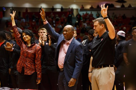 City of Houston Mayor, and UH alumnus, Sylvester Turner, was on hand to honor the UH men's football team's accomplishments this season. | Justin Tijerina/The Cougar