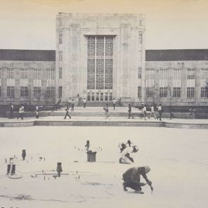 Freshwater is pumped into the Quadrangle Fountain. |Taken from The Cougar, 1972