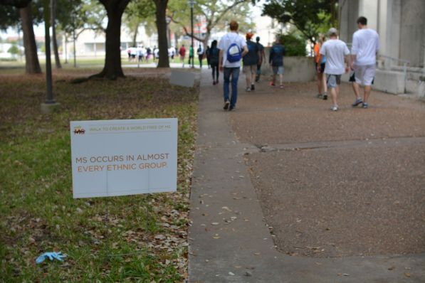 Signs with facts about MS were scattered throughout campus for the event. | Julie Araica/ The Cougar