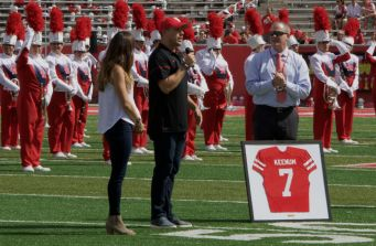 At halftime, UH Athletics honored Case Keenum and David Klingler by retiring the No. 7 jersey that they wore. | Ajani Stewart/The Cougar