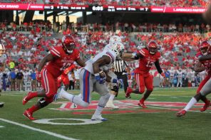 SMU didn't disappoint in offensive production on Saturday, despite the lack of touchdowns. The Mustangs finished the game with 544 yards. This effort was led by wide receivers Courtland Sutton and Trey Quinn, both juniors, who combined for 316 yards and a touchdown. | Thomas Dwyer/The Cougar