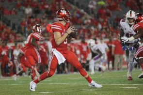 Junior quarterback Kyle Postma led the Cougars (4-1) to a 35-22 victory over the SMU Mustangs (4-2). With three touchdowns in the first half, he proved to settle in nicely as junior QB Kyle Allen's replacement. | Thomas Dwyer/The Cougar