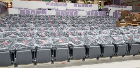 Opposite the student section are cushioned courtside seats. Photo from Sept. 27. | Andres Chio/The Cougar