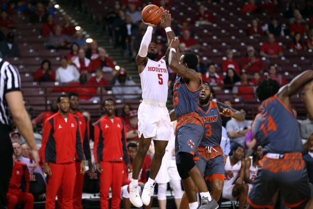 Houston closed out its stay at TSU's H&PE Arena with a 19-game win streak by beating UT Rio Grande Valley. After not scoring at all in the first half, senior Corey Davis Jr. scored 23 in the second half to help the Cougars win 58-53. | Mikol Kindle Jr./The TSU Herald