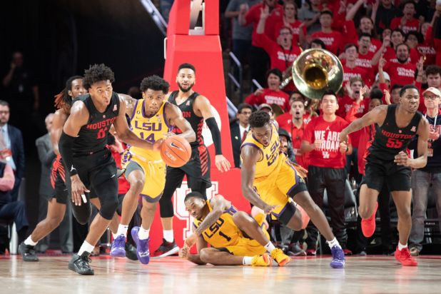 Freshman Nate Hinton had a key steal to help the Cougars' comeback versus LSU. | Ahmed Gul/The Daily Cougar